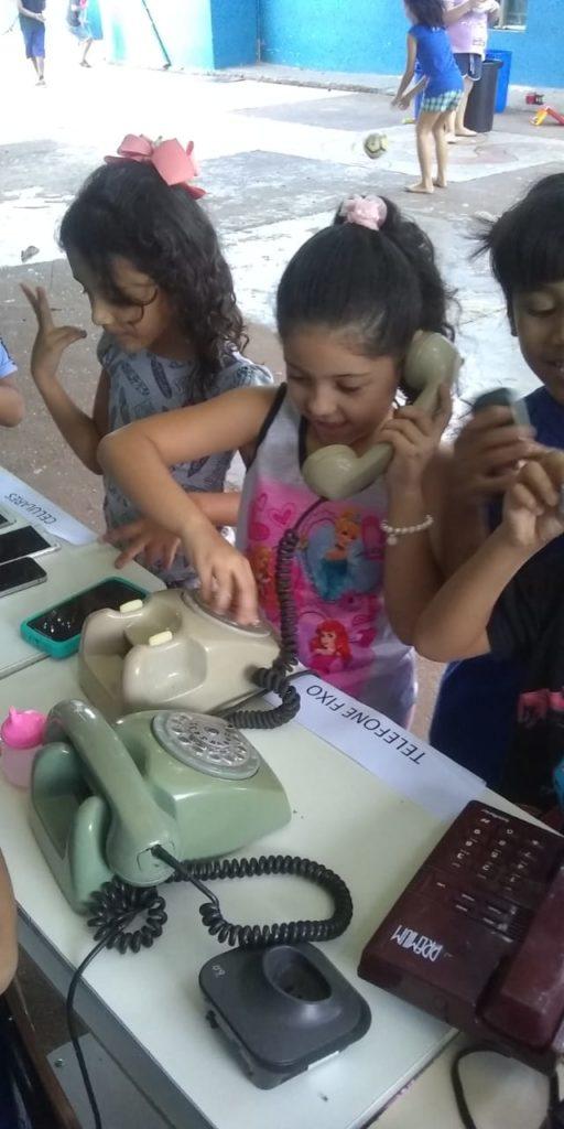 ADOTE ESSA IDEIA: Escola Municipal Julio Fernandes Colino realiza projeto sobre tecnologia 16