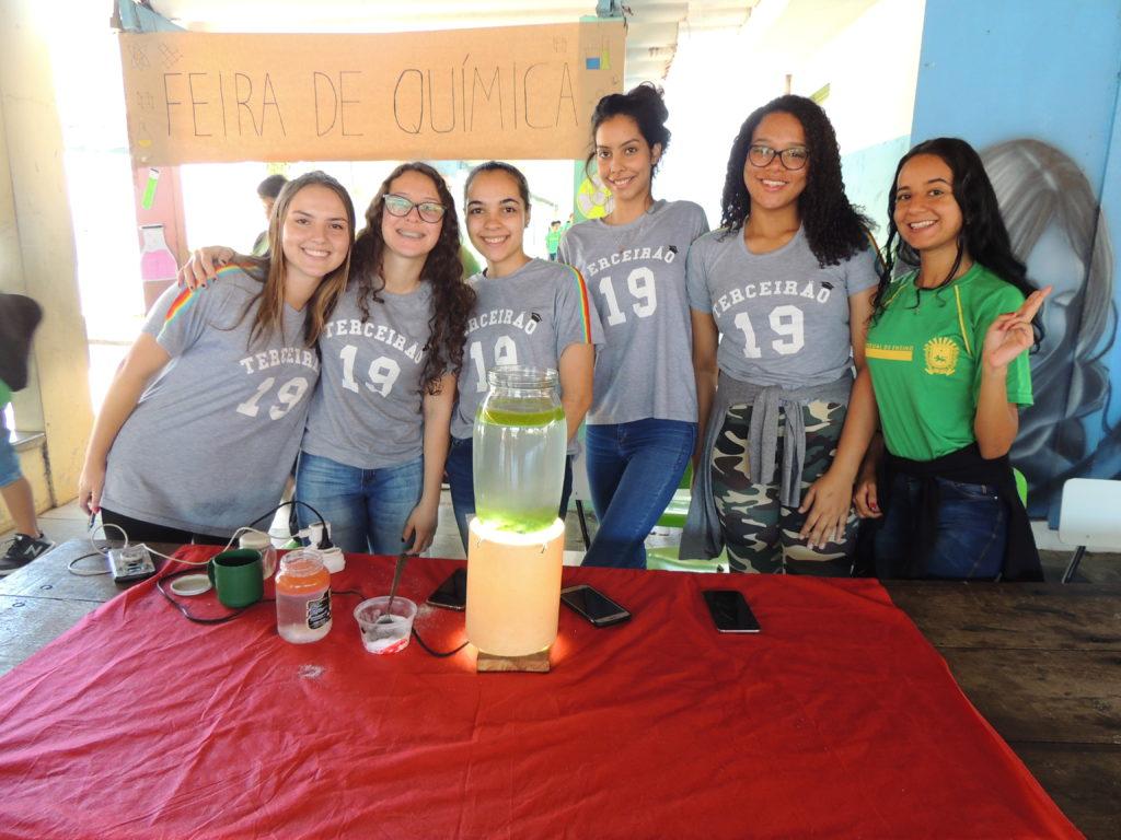 Feira de Química coloca em prática os conhecimentos dos alunos da Escola Estadual Afonso Pena 9