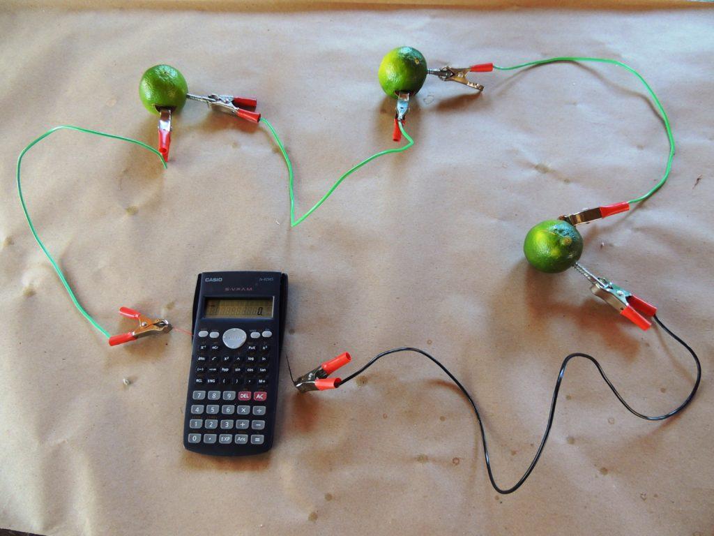 Feira de Química coloca em prática os conhecimentos dos alunos da Escola Estadual Afonso Pena 10