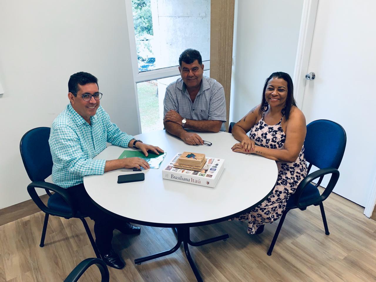 Presidente da FETEMS, Professor Jaime Teixeira e Secretaria de Comunicação Deumeires Morais se reúnem com o governo para discutir sobre o Processo Seletivo dos Professores 12